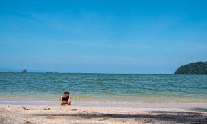 Seul au monde sur une île thaïlandaise