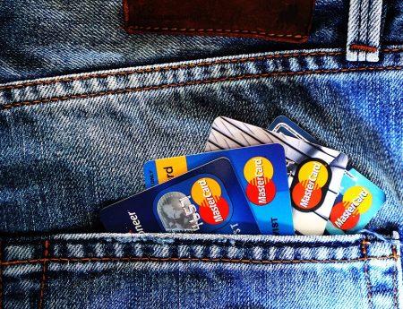 Voyager sans frais bancaires
